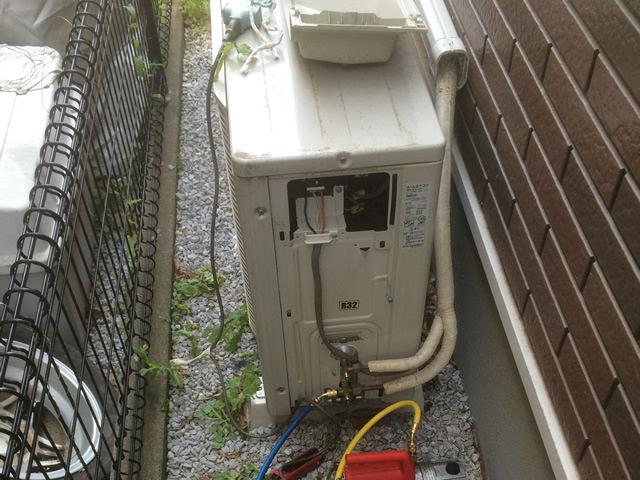 【埼玉県さいたま市】エアコン室外機の再設置工事